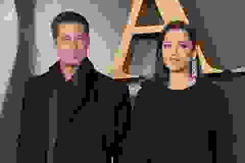 """Bầu bí, """"người tình tin đồn"""" của Brad Pitt vẫn làm việc chăm chỉ"""