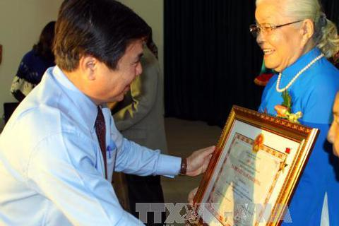 """Trao và truy tặng danh hiệu """"Bà mẹ Việt Nam Anh hùng"""" đến 141 Bà mẹ"""