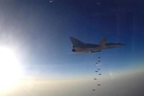 """Mỹ tìm cách """"bắt lỗi"""" Nga khi mượn căn cứ Iran để đánh IS"""