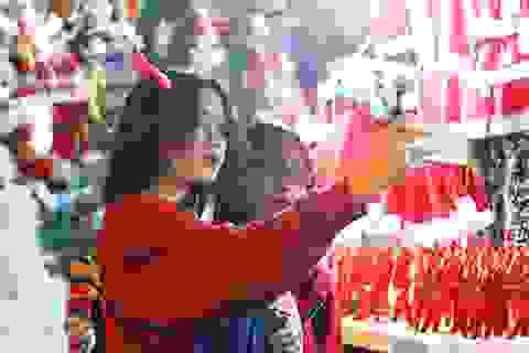 Bạn trẻ Hà Nội rủ nhau khoe sắc dịp Giáng sinh