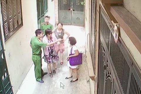 """Hà Nội: Vụ đánh sảy thai thiếu phụ, """"khủng bố"""" bằng """"bom bẩn"""" cần được xử lý thế nào?"""
