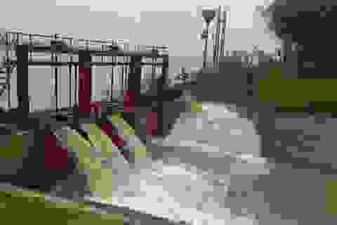 Sẽ xây dựng các đập nước di động trên sông Hồng