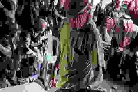 Syria: Hơn 700 phiến quân ở Sweida, Homs chấp nhận đầu hàng, hạ vũ khí