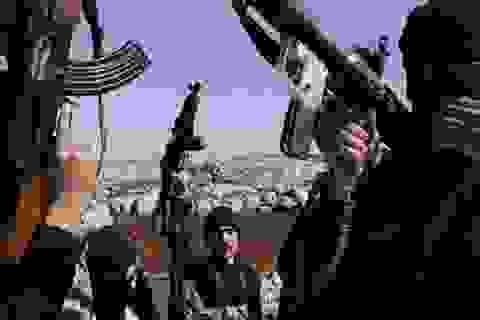 """Phe đối lập Syria chiếm được """"thánh địa"""" của IS"""