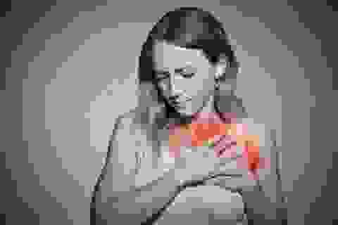 Phân biệt chứng ợ nóng với cơn đau tim