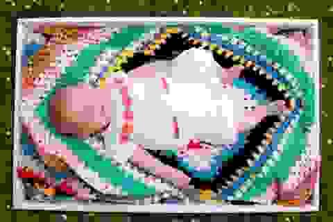 Bí ẩn những chiếc hộp tặng cho trẻ sơ sinh ở Anh