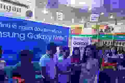 Sáng 19/8, ViettelStore đã trả 1500/5000 máy điện thoại Galaxy Note 7 được đặt trước