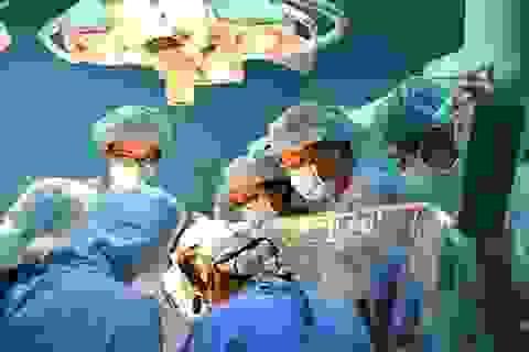 Ứng dụng phẫu thuật nội soi trong điều trị một số bệnh lồng ngực phức tạp
