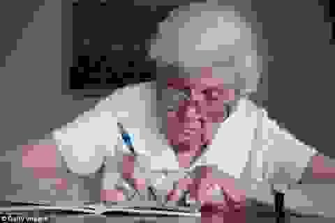 Bốn triệu chứng cơ bản của bệnh Alzheimer