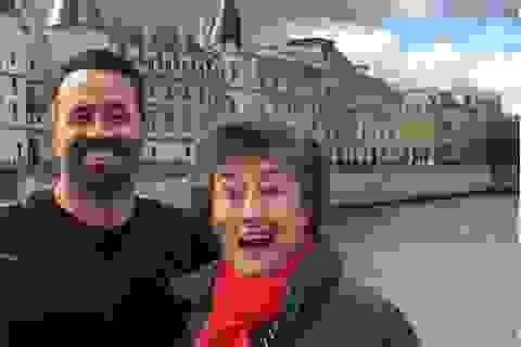 Người con hiếu thảo đưa mẹ đi khắp châu Âu