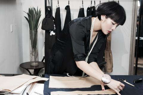 Devon Nguyễn và bước ngoặt của xu hướng thời trang chất liệu tại VIFW 2016