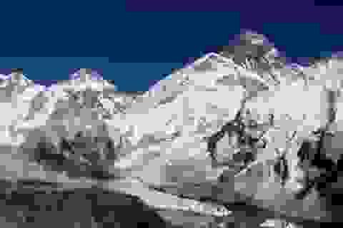 Nepal thoát nước một hồ băng nguy hiểm ở độ cao 5.000 m