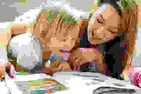 Đọc sách với trẻ giúp chúng phát triển nãobộ
