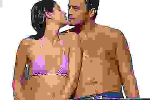 Thiên thần nội y diện bikini khoe thân nóng bỏng trên du thuyền nghìn tỉ
