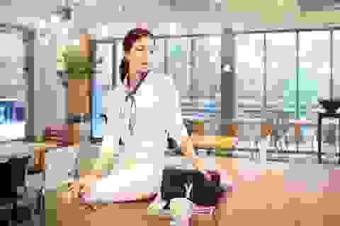 4 cách mix đồ với khăn chắc chắn gây ấn tượng cho người đối diện