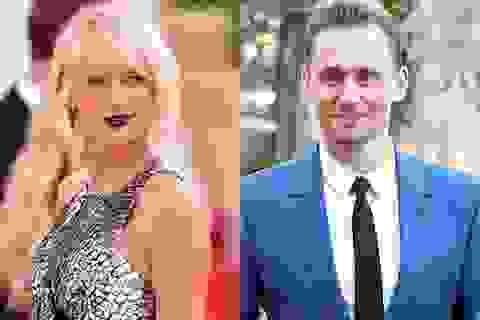 Taylor Swift vừa hẹn hò tình mới, Calvin Harris tung ngay ảnh khoe thân