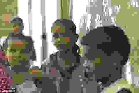 """Những cô gái tuổi teen trong """"địa ngục"""" nhà thổ ở Ấn Độ"""