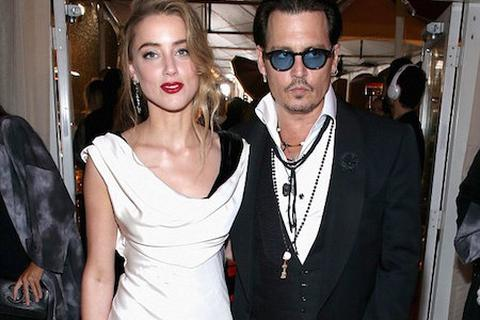 Johnny Depp tái xuất sau khi bị tố đánh vợ