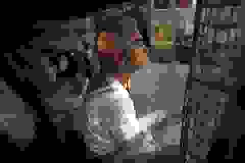 Cuộc sống người nghèo trong những chiếc lồng ở Hồng Kông