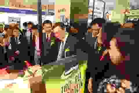 Phó Thủ tướng Vương Đình Huệ dự Vietnam Expo 2016