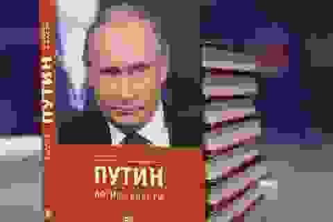 Ông Putin tiết lộ lý do không bao giờ đọc sách viết về mình