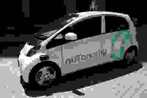 Taxi không người lái đầu tiên trên thế giới đi vào hoạt động