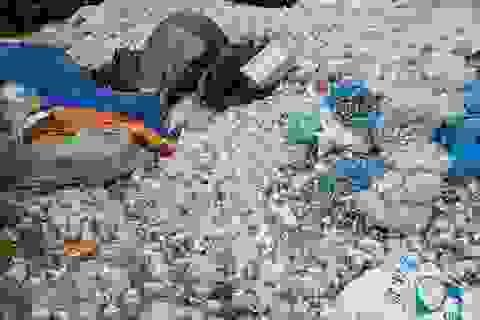 Vụ núi rác thải ở Bắc Binh: Lấy mẫu một số chất thải để xác định làm rõ