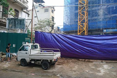 Tạm đình chỉ công trình bị sập giàn giáo khiến 2 người tử vong