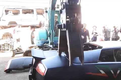 Đài Loan nghiền nát siêu xe vi phạm