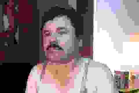 """Hình ảnh thất thần của """"bố già"""" El Chapo sau 6 tháng vượt ngục"""
