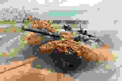 Video xe tăng T-90 của Nga lội hố nước sâu 5m