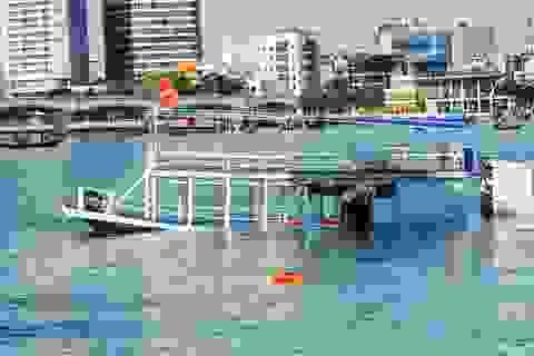 100 ca nô quần thảo, giăng lưới cửa sông Hàn tìm người mất tích