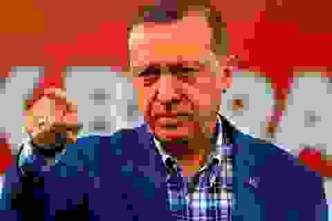 """Quan hệ Thổ-Mỹ dậy sóng vì """"cú đâm sau lưng""""?"""