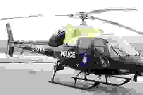Cảnh sát hầu tòa vì dùng trực thăng quay cảnh sex