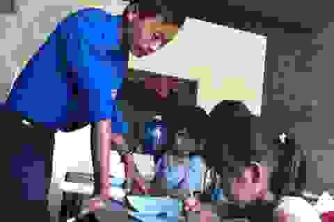 Thầy giáo nghèo mở lớp dạy học miễn phí cho trẻ em