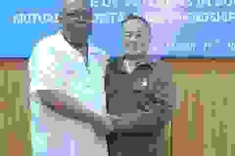 Cựu binh Mỹ nghẹn ngào ngày trở lại Việt Nam