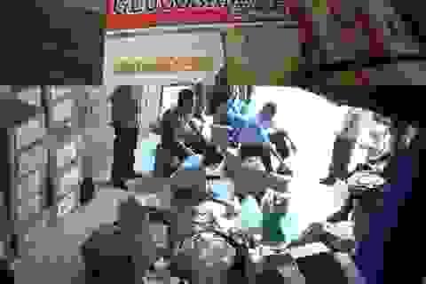 Bắt vụ buôn thực phẩm chức năng nghi giả số lượng cực lớn