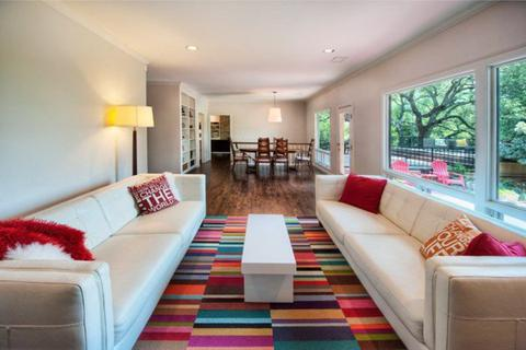 Trang trí phòng khách nhỏ theo phong cách tối giản