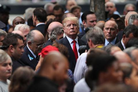 Tỷ phú Trump hứa công khai hồ sơ y tế thách thức bà Clinton