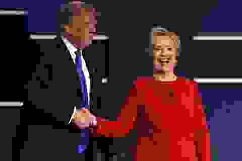 Ông Trump nói muốn bỏ tù bà Clinton