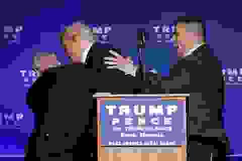 Ông Trump được sơ tán khẩn cấp do đe dọa xả súng tại cuộc vận động tranh cử