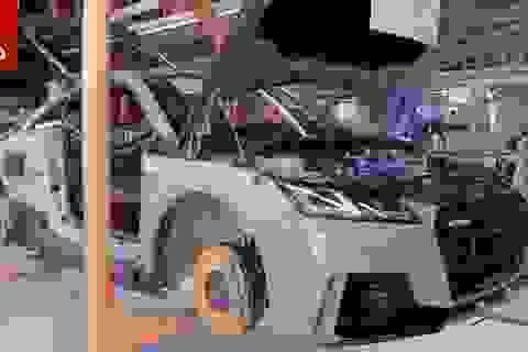 Thăm dây chuyền lắp ráp xe thể thao Audi TT RS