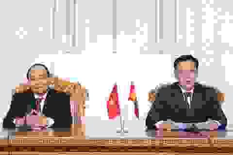 Thủ tướng Nguyễn Xuân Phúc hội đàm với Thủ tướng Mông Cổ