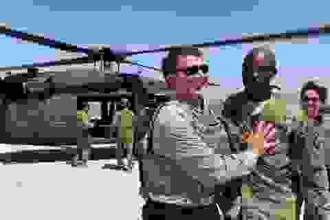 Tướng Mỹ bị sa thải vì dùng tiền công để xem thoát y