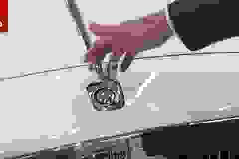 Vì sao không thể vặt trộm biểu tượng xe Rolls-Royce?