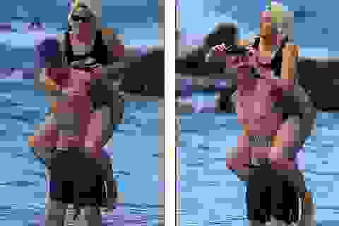 Con gái Michael Jackson hạnh phúc bên bạn trai xăm trổ
