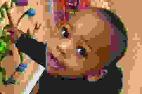 Bé trai 2 tuổi bị bắn chết khi đang live stream trên Facebook