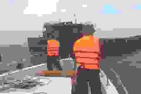 Giải cứu tàu hàng cùng 11 thuyền viên gặp nạn trên biển