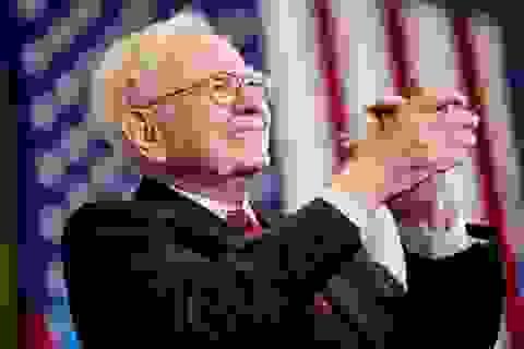 Bữa trưa với tỷ phú Buffett giảm giá gần 1 triệu USD