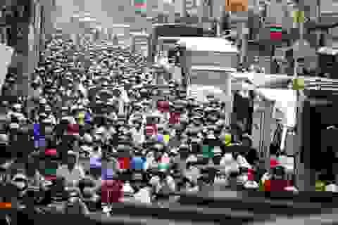 Cửa ngõ Sài Gòn kẹt xe kinh hoàng gần 10 tiếng đồng hồ
